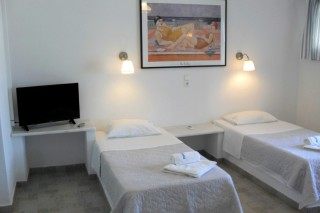 4 persons apartment naoussa hotel beds