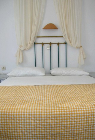 double-room-naoussa-bed