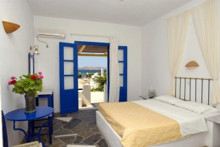 double room naoussa hotel bedrooms