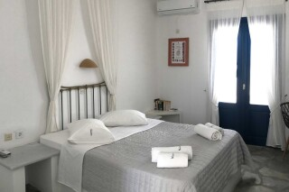 double room naoussa hotel