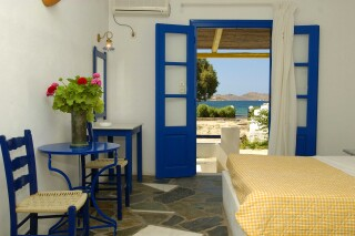 double-room-naoussa-hotel-sea-view