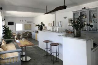 facilities naoussa hotel breakfast bar