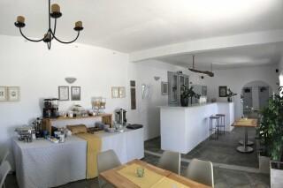 facilities naoussa hotel breakfast lounge