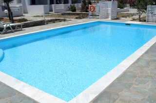 facilities-naoussa-hotel-swimming-pool-03