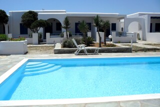 facilities-naoussa-hotel-swimming-pool-05
