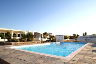 facilities-naoussa-hotel-swimming-pool-09