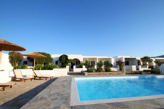 facilities-naoussa-hotel-swimming-pool-11