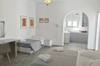 naoussa hotel apartment for five amenities