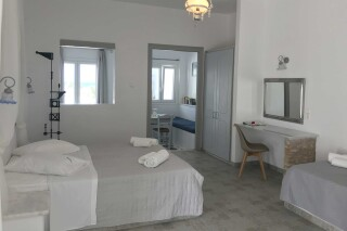 naoussa hotel apartment for five cozy area