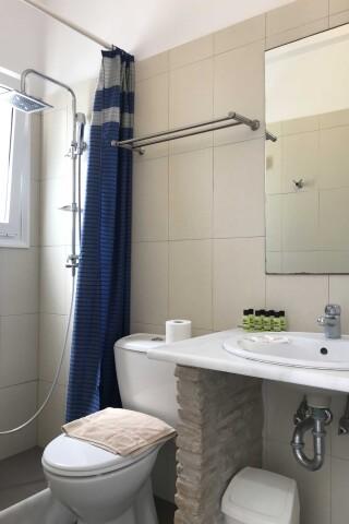 naoussa hotel apartment for four bathroom