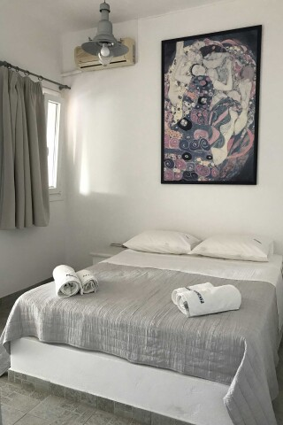 naoussa hotel apartment for four bed