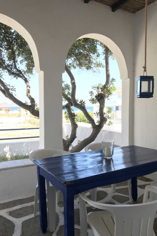 naoussa hotel apartment for four sea view