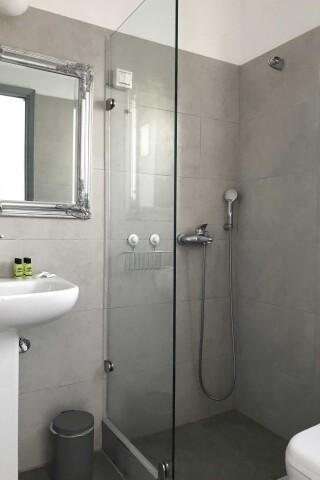 naoussa hotel double studio WC